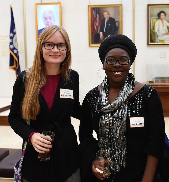 CAPAStudyAbroad_London_Fall2014_Emily-McGeary-and-Janel-Forsythe-954x1024.jpg