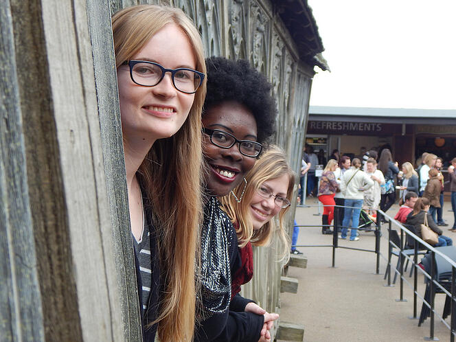 CAPAStudyAbroad_London_Fall2014_Emily McGeary, Janel Forsythe and friend