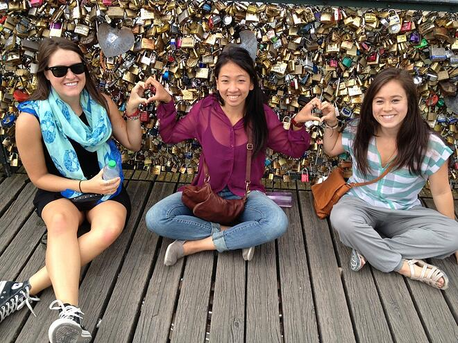CAPAStudyAbroad_Florence_Pont de Arts in Paris with CAPA friends from Dee Liang