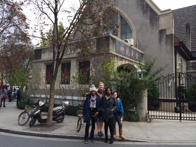 CAPAStudyAbroad_Shanghai_Spring2015-Studentsandchurch-1