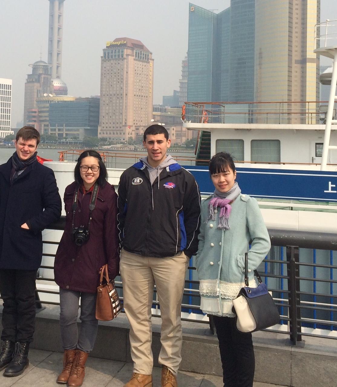 CAPAStudyAbroad_Shanghai_Spring2015_LanguagepartnerandstudentsexploringShanghai