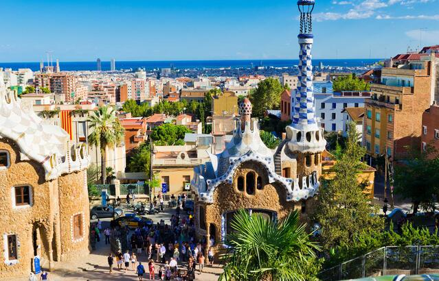 AdobeStock_47051366_Barcelona_ParcGuell_Small-1