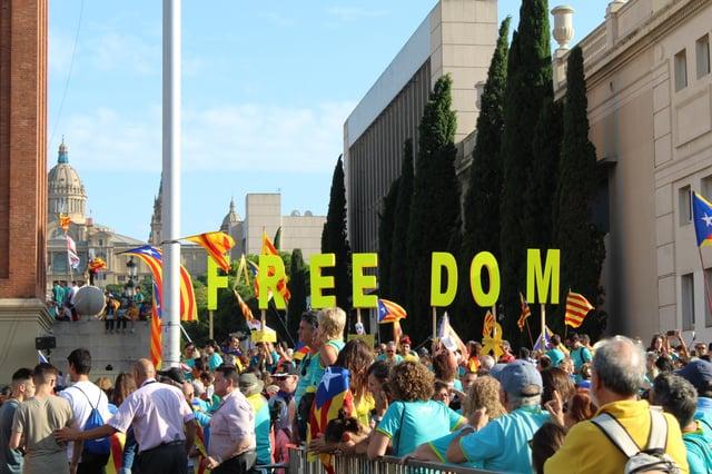 CAPAStudyAbroad_Fall 2019_Barcelona_Isha Mahajan_Freedom Sign on Catalonia Day