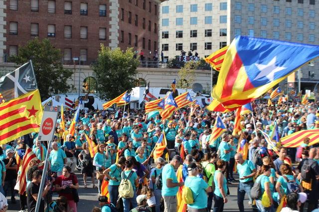 CAPAStudyAbroad_Fall 2019_Barcelona_Isha Mahajan_People holding Catalonian Flags