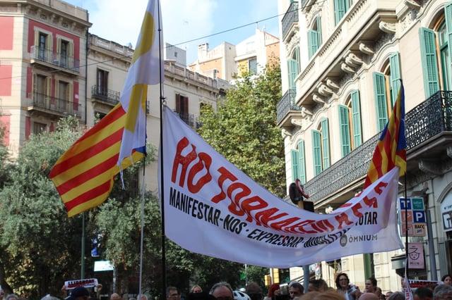 CAPAStudyAbroad_Fall 2019_Barcelona_Isha Mahajan_People holdinglarge protest sign