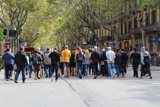 CAPAStudyAbroad_Fall 2019_Barcelona_Isha Mahajan_People on La Diata