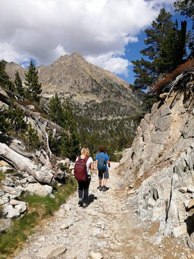 Students walking through Aigüestortes National Park