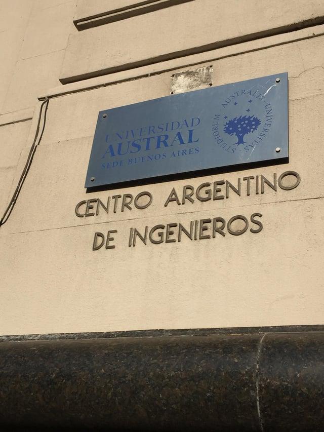 CAPAStudyAbroad_Buenos Aires_Spring2018_From Claire Shrader - Universidad Austral Sign.jpg