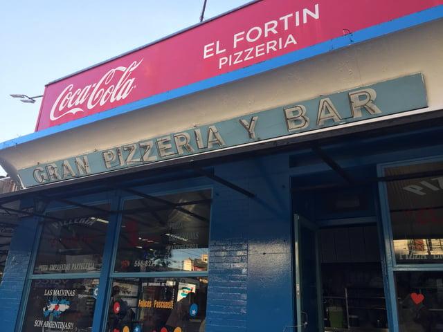 CAPAStudyAbroad_Spring2018_Buenos Aires_Claire Shrader_Pizzeria El Fortin