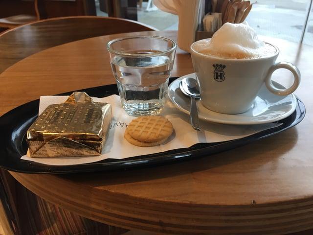 CAPAStudyAbroad_Spring2018_Buenos Aires_Claire Shrader_Cafe con Leche