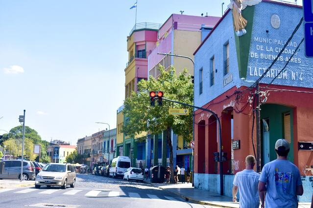 CAPAStudyAbroad_Spring2020_BuenosAires_SkyDedrick_Students walkinglaboca