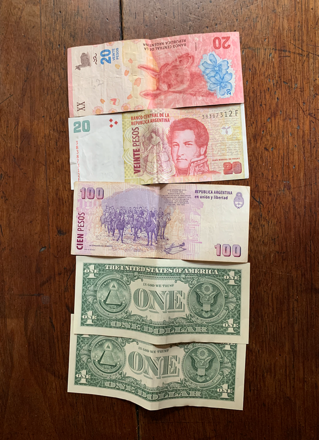 American Currency VS Argentina Money
