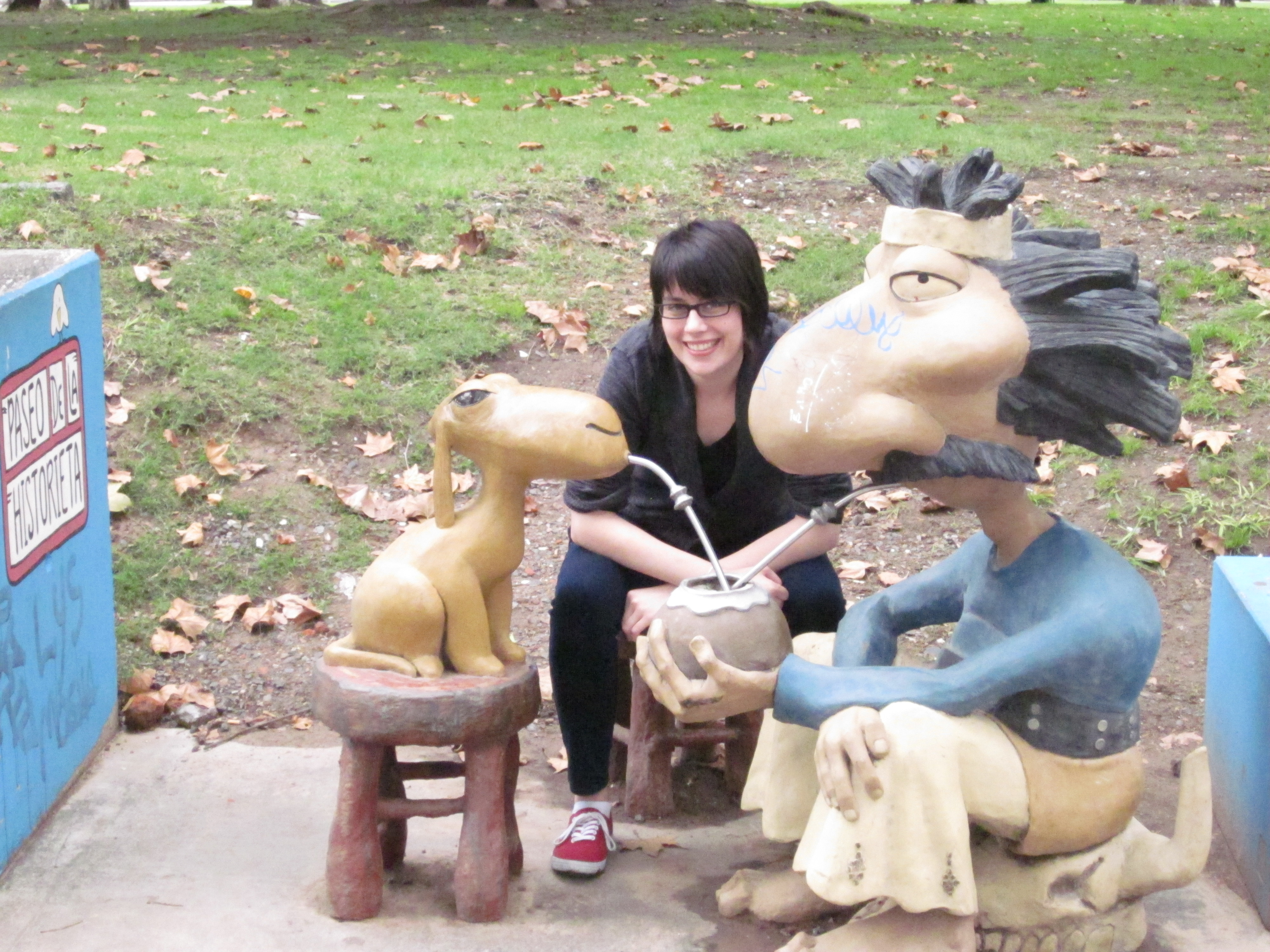 CAPAStudyAbroad_BuenosAires_Spring2016_From_Liz_Hendry_-_Drinking_mate_with_famous_Argentine_cartoon_characters.jpg