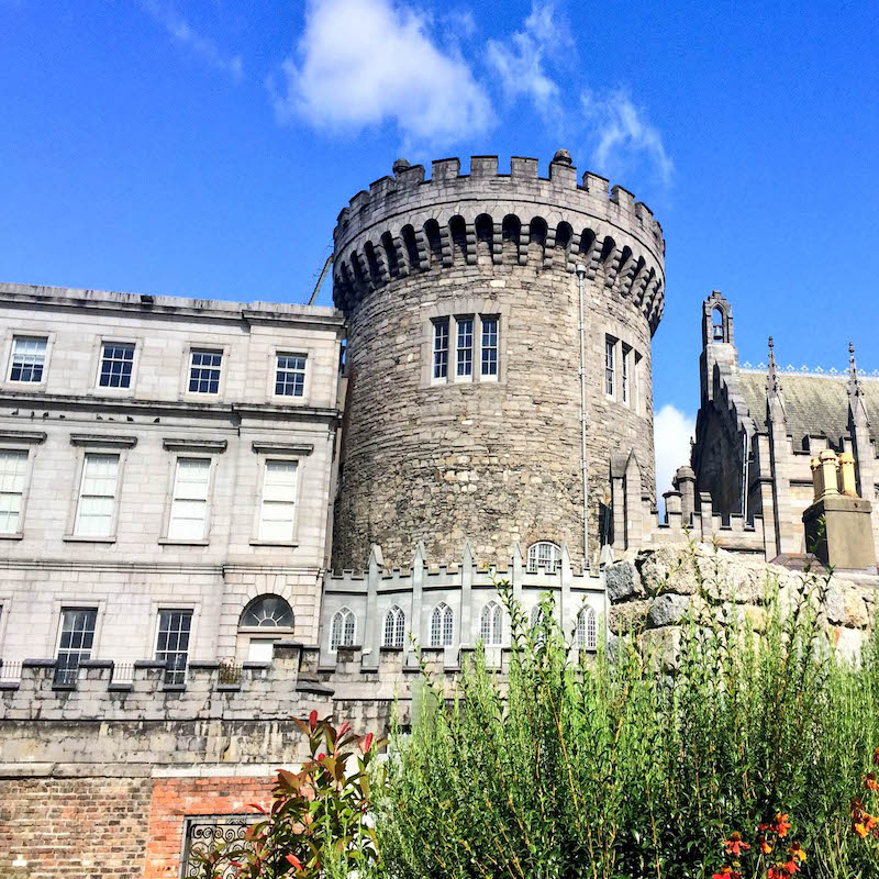CAPAStudyAbroad_Dublin_Fall2018_Jessica Kisluk_Dublin Castle and Fall Flowers