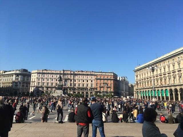 CAPAStudyAbroad_Fall 2019_London_Anna Chichester_ Milan Piazza del Duomo 2