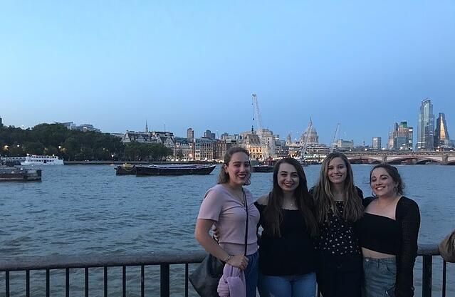 CAPAStudyAbroad_Fall 2019_London_Anna Chichester_Anna and friends on the banks of the River Thames