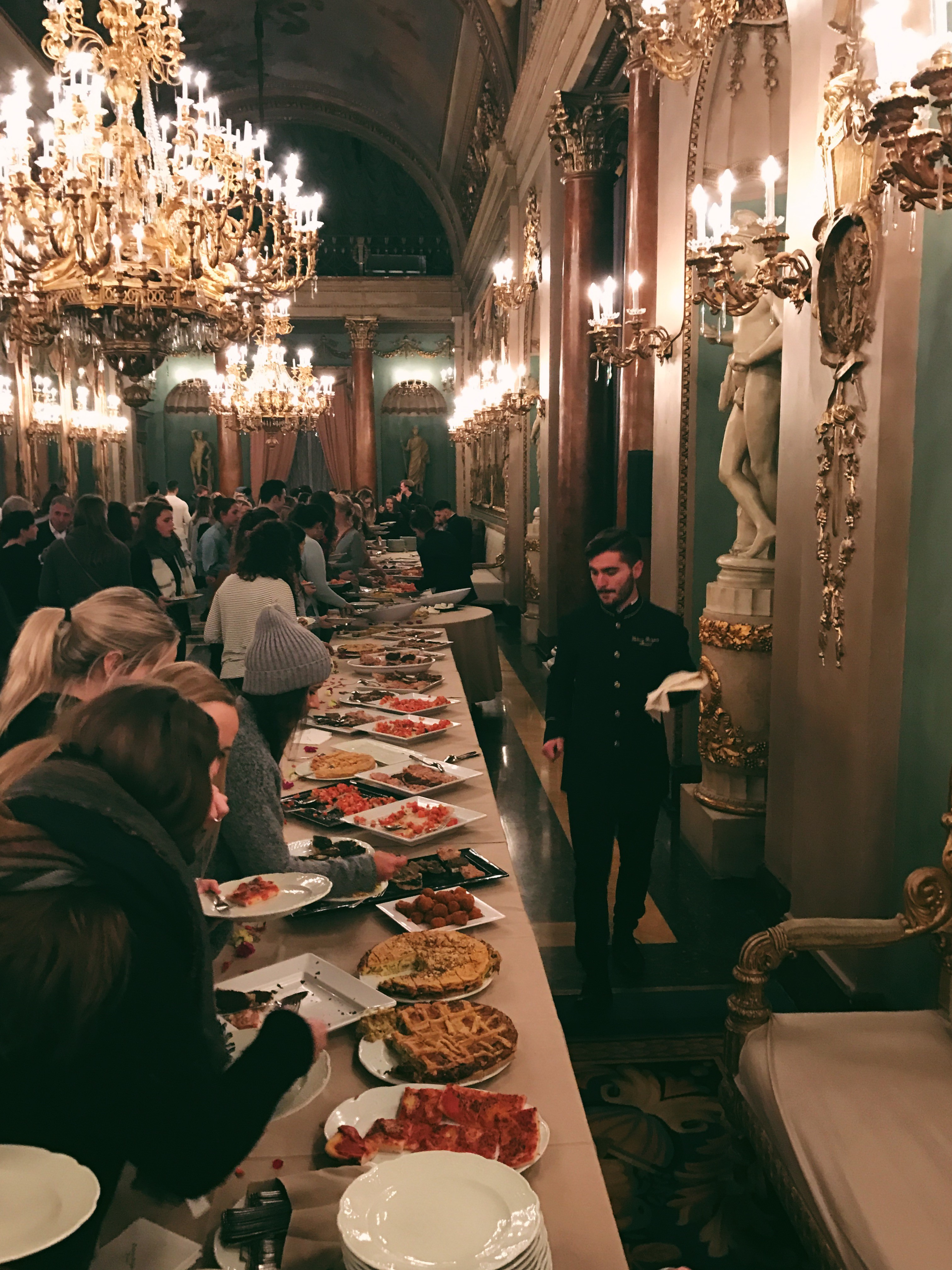 CAPAStudyAbroad_Florence_Spring2017_From Maddy Choate Welcom Dinner.jpg