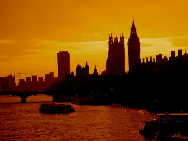 CAPAStudyAbroad_London skyline - sunset.jpg