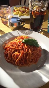 CAPAStudyAbroad_London_Fall2016_From Katrina Deisler - American - enjoying food in Italy.jpg
