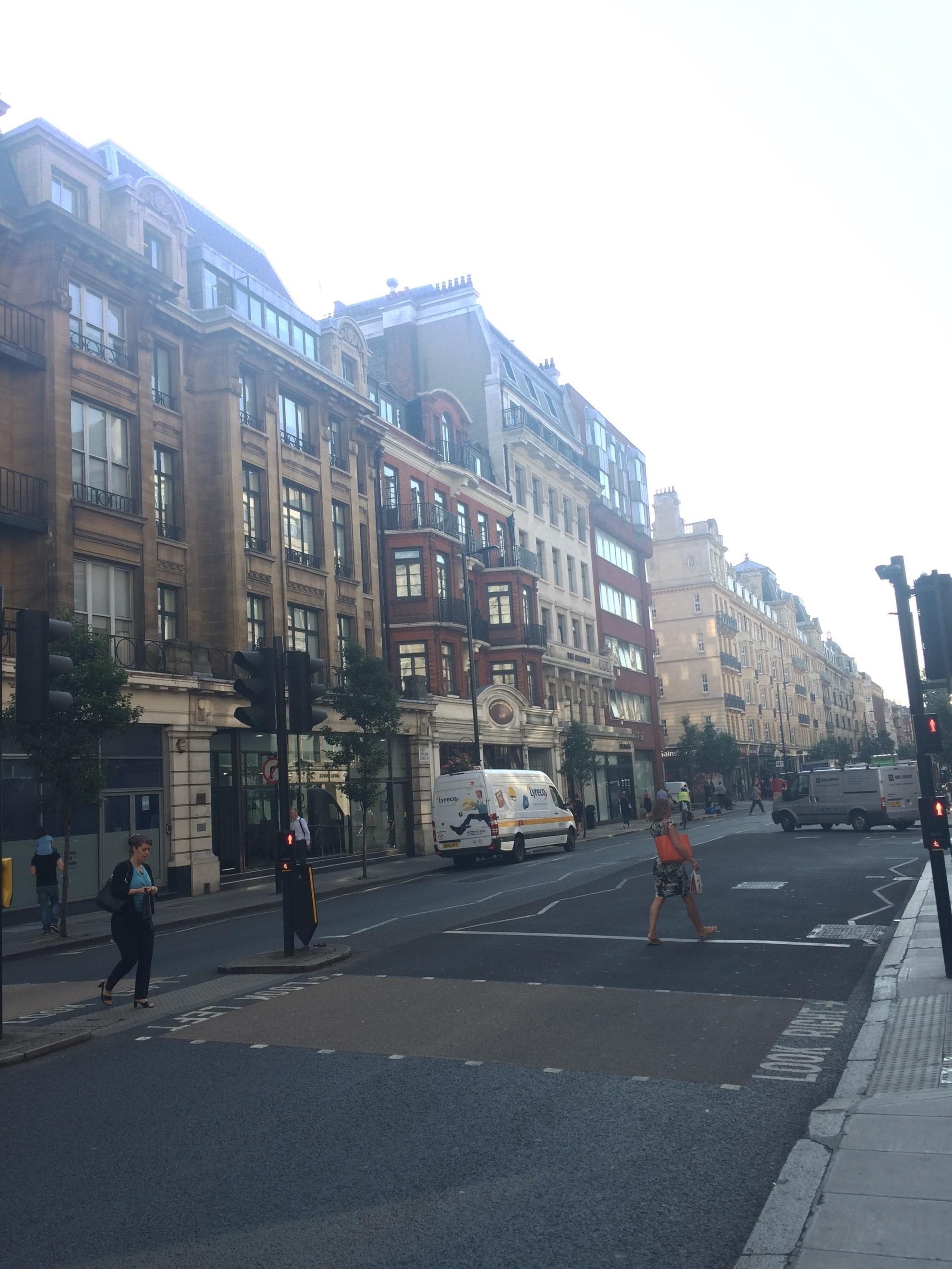 CAPAStudyAbroad_London_Fall2016_From_Katrina_Deisler_-_Internship_at_Beauty_and_the_Dirt_-_Walk_to_Work-629885-edited.jpg