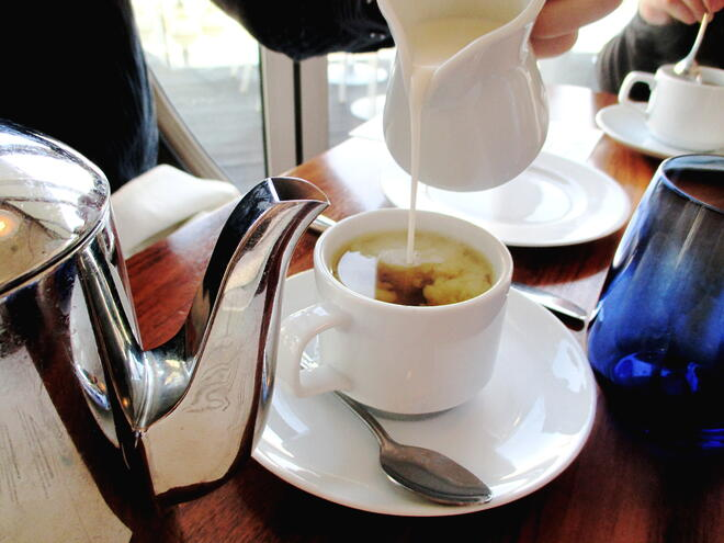 CAPAStudyAbroad_London_Spring2016_From_Rikki_Li_-_Afternoon_tea_at_The_Chelsea_Harbour_Hotel1.jpg