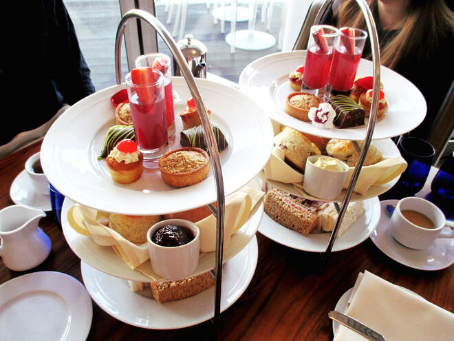 CAPAStudyAbroad_London_Spring2016_From_Rikki_Li_-_Afternoon_tea_at_The_Chelsea_Harbour_Hotel2-1.jpg