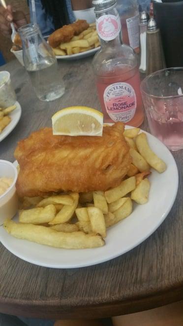 CAPAStudyAbroad_London_Summer2016_From_Joyce_Leung_-_fish_and_chips1.jpg