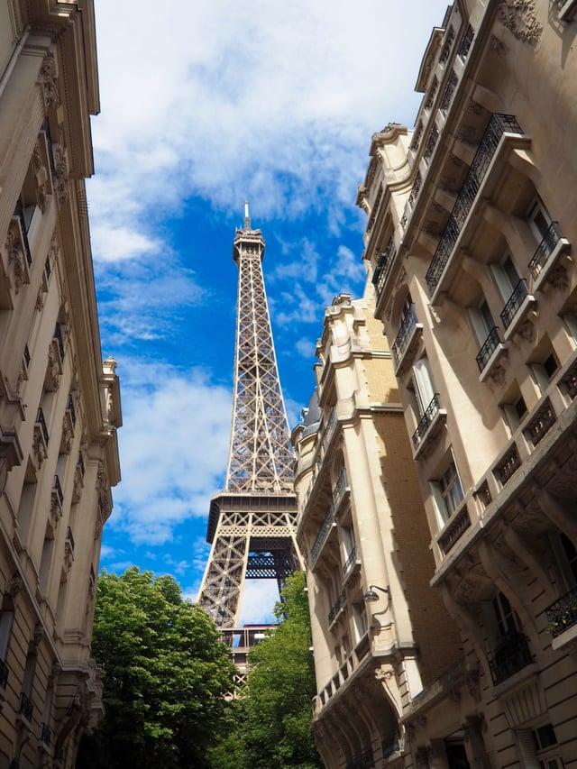 CAPAStudyAbroad_London_Summer2017_From Maita Ankrum Paris Eiffel Tower.jpg