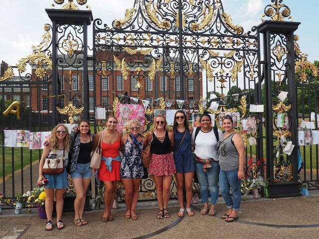 CAPAStudyAbroad_London_Summer2017_From Maita Ankrum Roommates 6.jpg