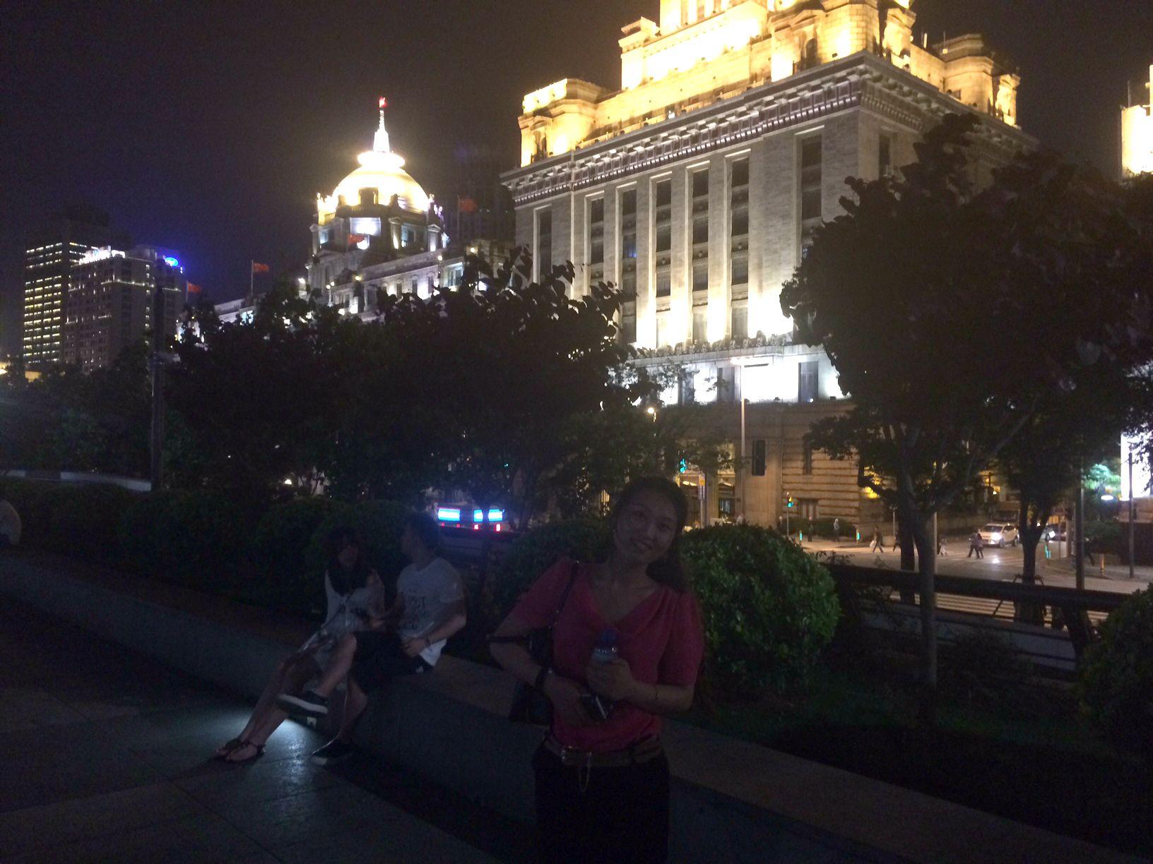 CAPAStudyAbroad_ShanghaiWalksPost_-_Historic_Bund_at_Night
