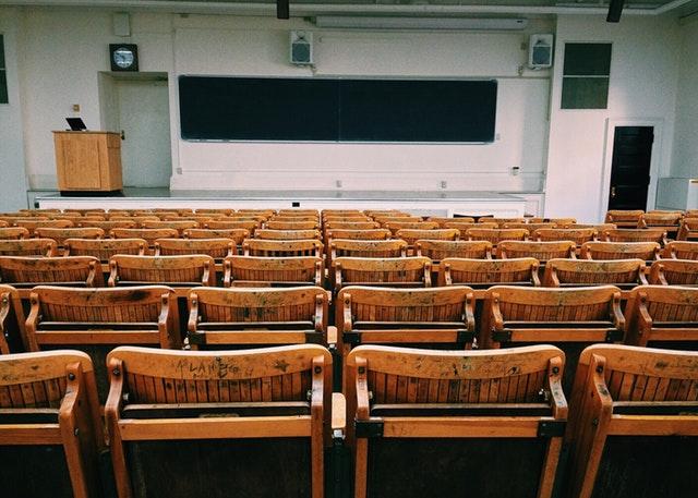 classroom-pexels-photo-207691