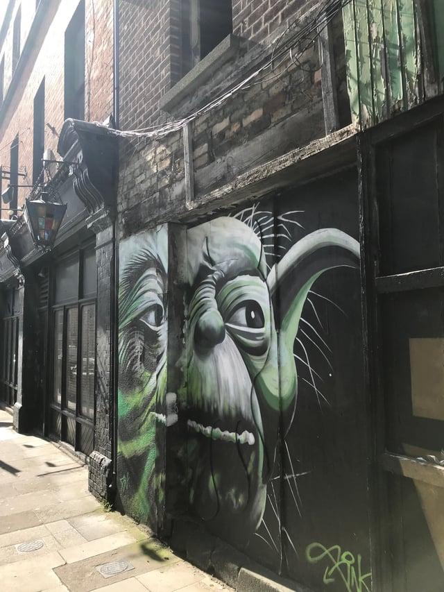 CAPAStudyAbroad_Dublin_Spring2018_From Brandon Mooney - Yoda Street Art