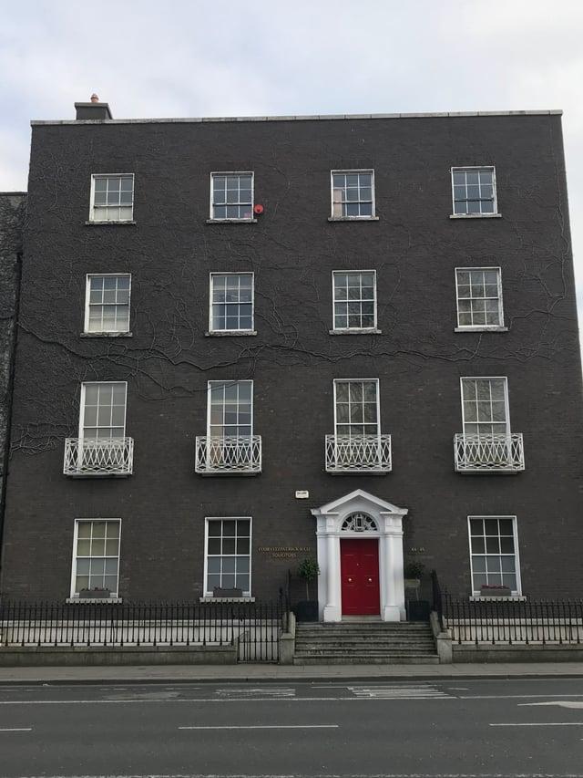 CAPAStudyAbroad_Dublin_Spring2018_From Brandon Mooney - building with red door