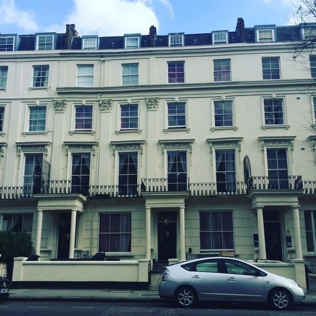 CAPAStudyAbroad_London_Spring2018_From Savannah Bernard - building