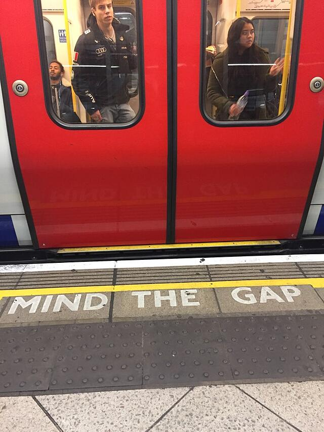 CAPAStudyAbroad_London_Spring2018_From Savannah Bernard - mind the gap