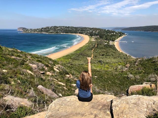 CAPAStudyAbroad_Sydney_Spring2018_From Alex Crowe - Alex on cliff