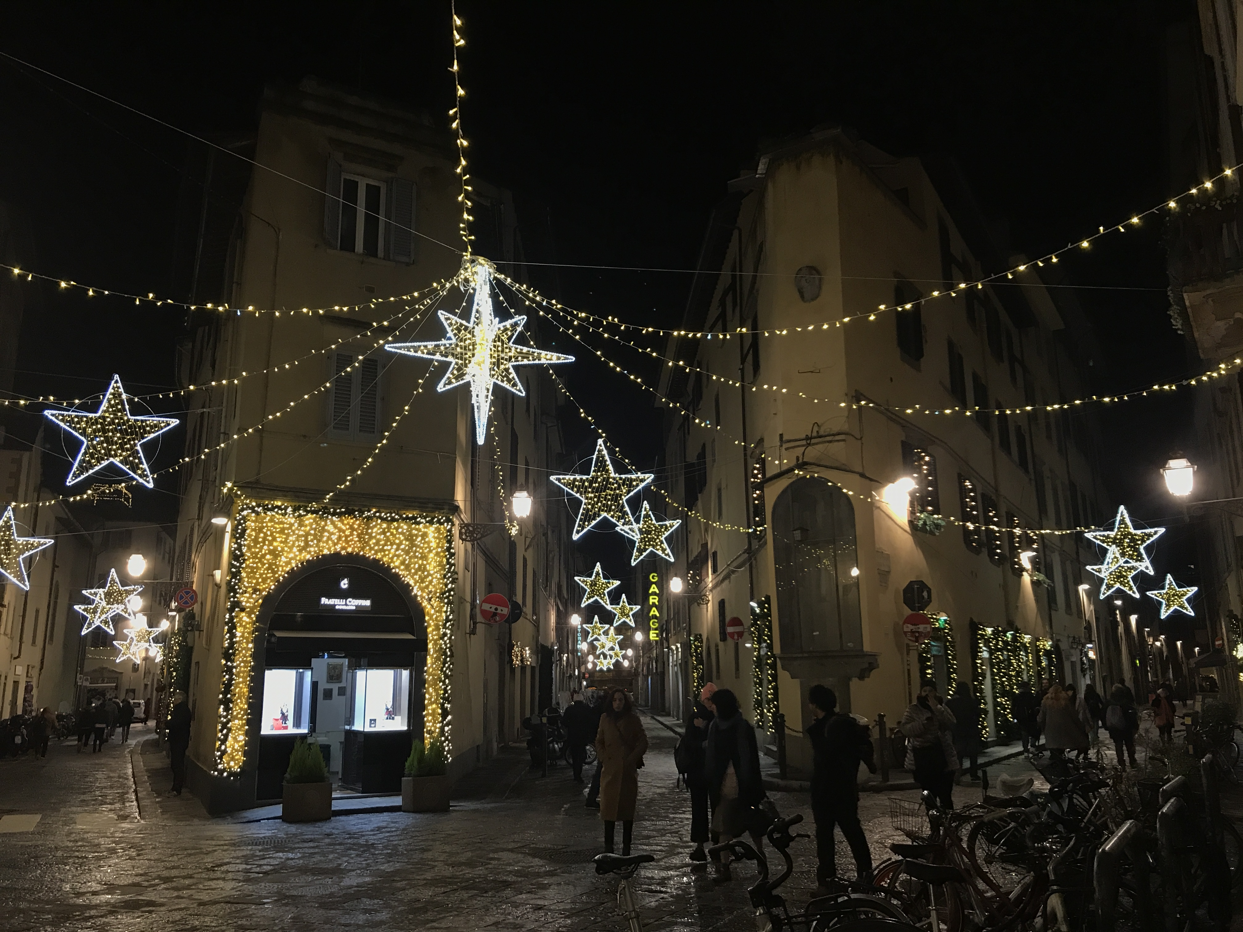CAPAStudyAbroad_Florence_From Audrey Detmer - Christmas lights in Florence.jpg