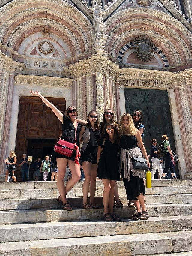 CAPAStudyAbroad_Florence_Summer2018_From Allyson Barnes - With My Roommates