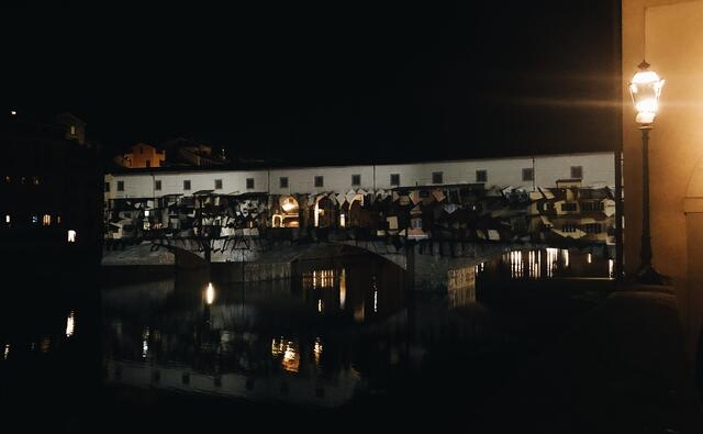 CAPAStudyAbroad_Florence_Fall 2018_Payton Meyer_F-Light Firenze projecting special affects onto the Ponte Vecchio!