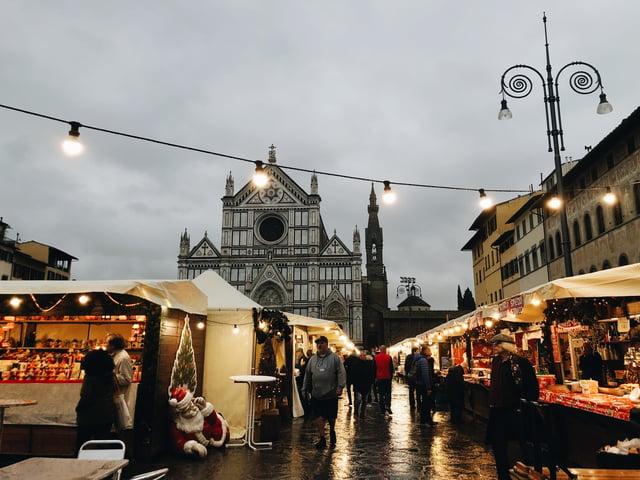 CAPAStudyAbroad_Florence_Fall 2018_Payton Meyer_Santa Croce Christmas Market Florencer 2018