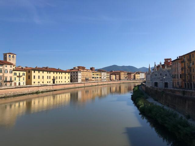 Photo of the Arno river that flows through Pisa