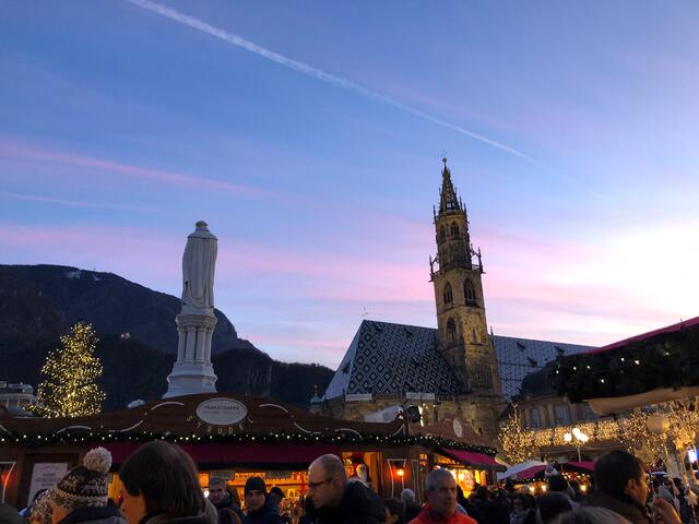 Fun fact: Bolzano has the largest Christmas market in Italy!