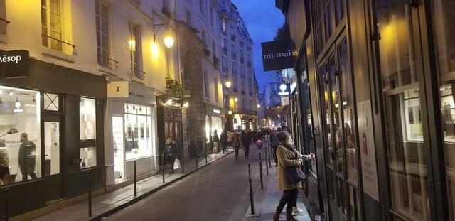 CAPAStudyAbroad_London_Fall2017_From Thaddeus Kaszuba - Old Street of Lecoq's Movement School in Paris - Cour des Petites Ecuries.jpg