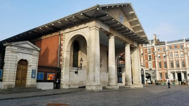 CAPAStudyAbroad_London_Fall2017_From Thaddeus Kaszuba - The Actor's Church by St. Paul's Church.jpg