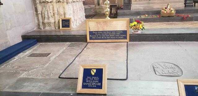CAPAStudyAbroad_London_Fall2017_From Thaddeus Kaszuba - The Resting Place of Shakespeare in The Church of the Holy Trinity.jpg