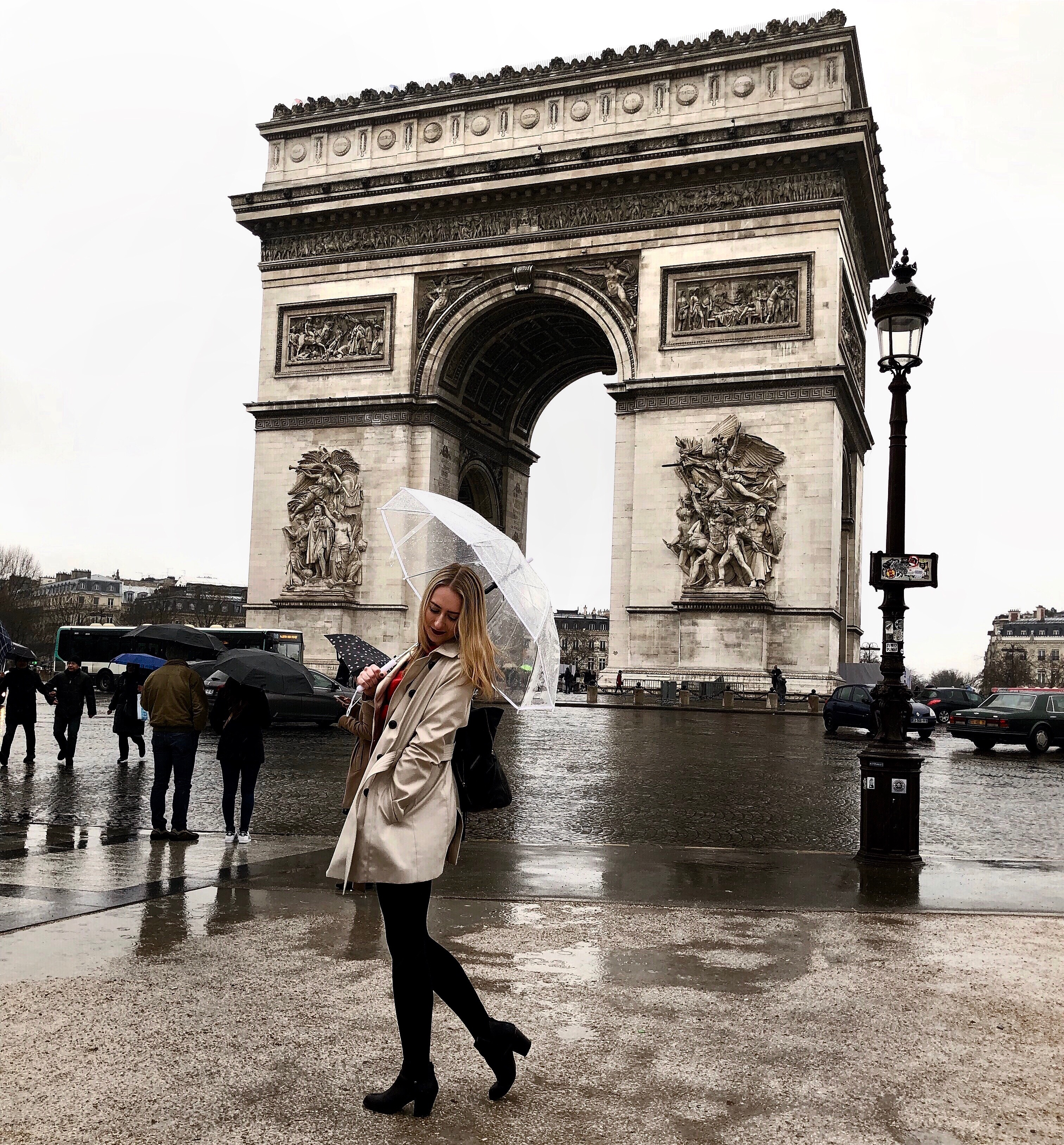 CAPAStudyAbroad_London_Spring2018_From Kelly Allen - At the Arc de Triomphe in Paris, France