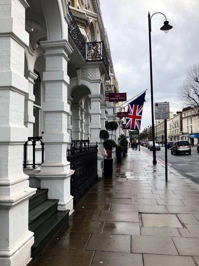 CAPAStudyAbroad_London_Spring2018_From Kelly Allen - Walking Near CAPA-758438-edited