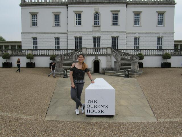 CAPAStudyAbroad_London_Summer2018_From Alice Ding - Alice in Front of the Queen's House