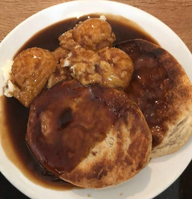 CAPAStudyAbroad_London_Summer2018_From Alice Ding - Double Meat Pie and Mash at Goddards on Greenwich