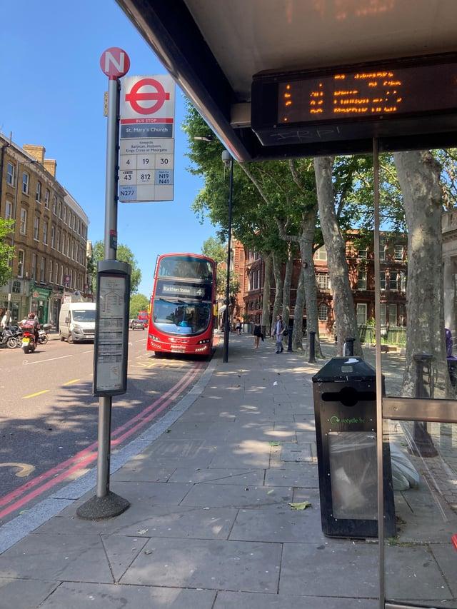 CAPAStudyAbroad_Summer2021_London_AlexisThomas_Pic 4_Bus Stop